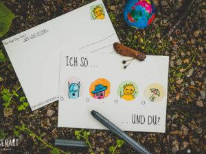 Postkarte: Wesen fragen Dinge: »Ich so … und du?«