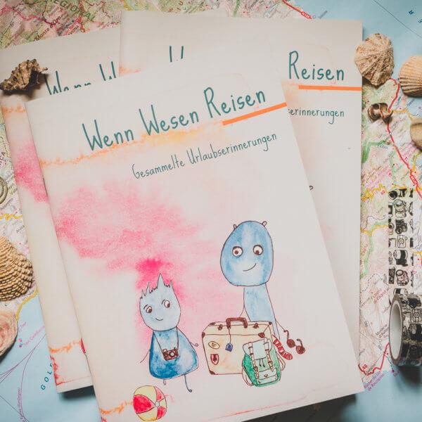 WESENsART-Produktbild: Notizbuch »Wenn Wesen Reisen – Gesammelte Urlaubserinnerungen«, Reisetagebuch