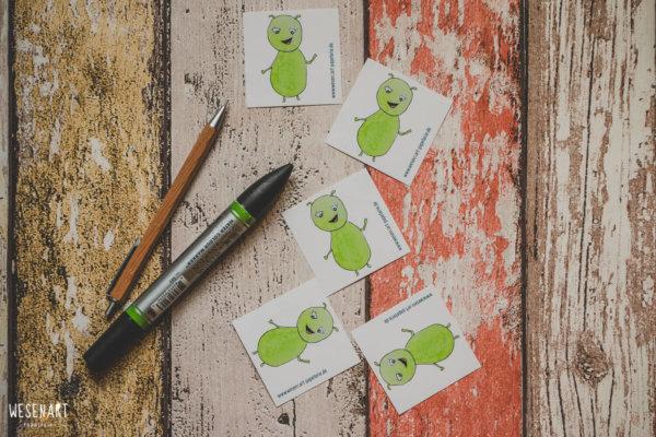 WESENsART-Produktbild: Aufkleber: 5 Wesen kleben rum, dieses Mal Chakka.