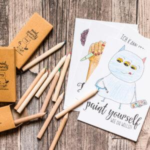 Das »Paint yourself« Set mit Postkarten und Buntstifte zum Ausmalen.