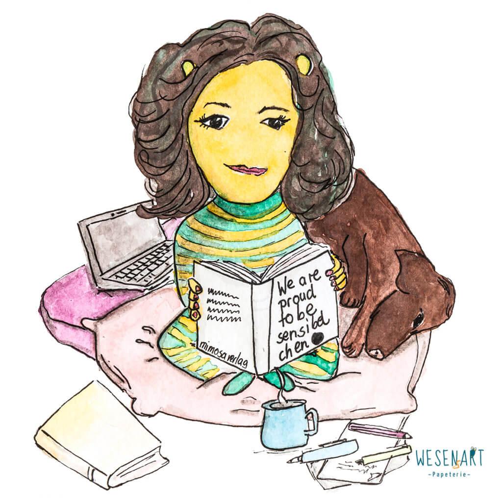 Maria Anna Schwarzberg als Wesen mit ihrem Buch »We are proud to be Sensibelchen« und ihrem Hund Marley im kreativen Arbeitsumfeld.